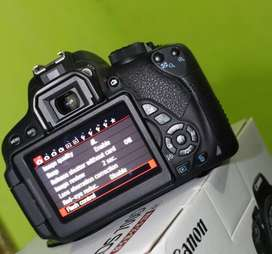DSLR Canon 700D, Recommended LIKENEW == Zoom ++ Fokus TouchScreen