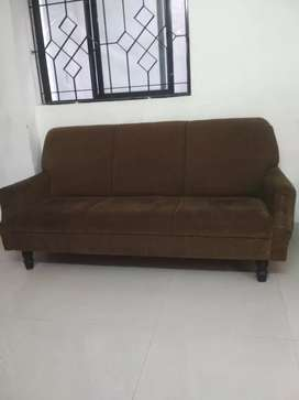 3+1+2 sofa set good condition