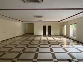 1 kanal triple story plaza for rent in johar town hot location