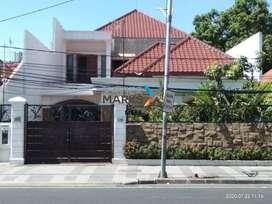 Rumah Raya Gubeng Strategis Siap Huni Terawat