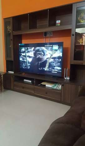 I want to sell 50 inch LG Led TV with TV unit