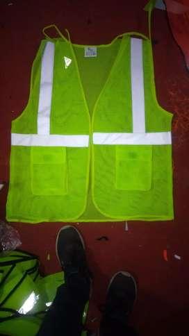 Garment karigar ,jacket ke silai  karigar