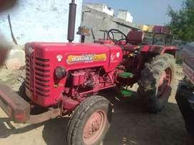 Tractor mahindra
