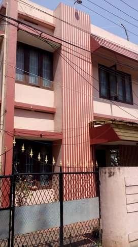 2BHK 1ST FLOOR  INDEPENDENT HOUSE THAMMNAM JN NR BUSSTOP-2PARKING