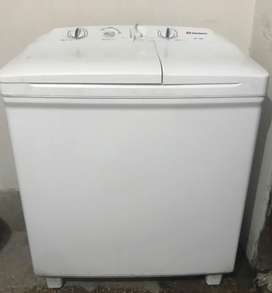 DAWLANCE washing machine with Dryer in good condition for sale