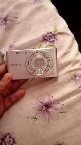 Sony w830 ₹7500
