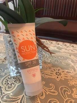 Emina sun screen protection spf 30 PA+++