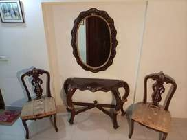 Console mirror and table with 2 chairs