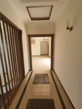 Brand new Upper portion of one kanal house in phase 6 DHA for rent
