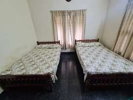 2 bed and 2 Teak cot