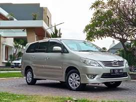Innova G Luxury Bensin Matic 2013 Low Kilometer