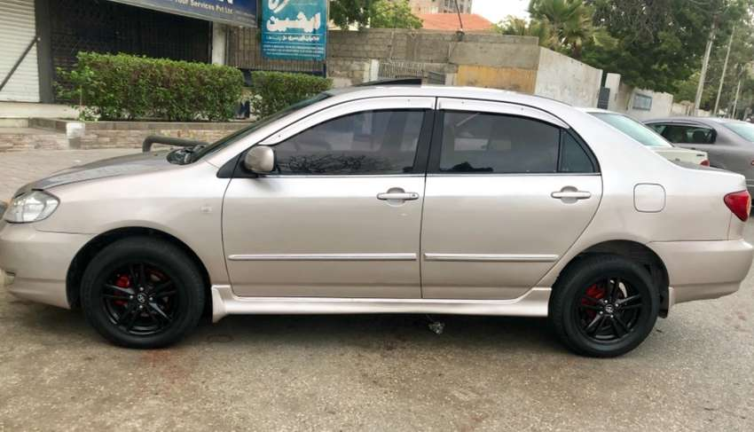 Toyota SE Saloon automatic 2002 for sale 0