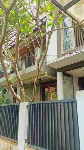 Rumah  fully furnished sektor 5 - 4450