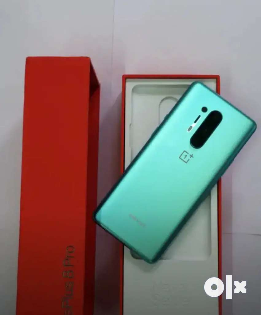 ONE PLUS 8 PRO USED WITH  CHAGER AND ALL ACCESSORIES 0