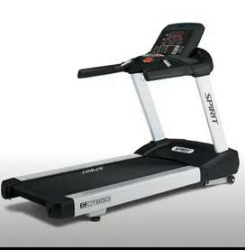 Spirit USA Commercial Gym & Fitness Machine  Treadmill CT-850