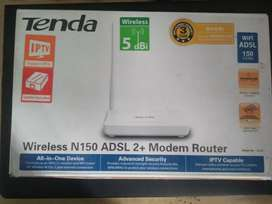 Tenda wireless ADSL 2+ MODEM router