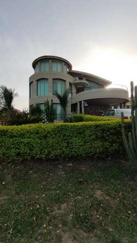 F-8, 2 kanal, Four Bed Full House for Rent in just 3 lac 30 Thousand.