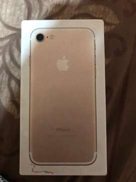 Iphone 7 128 gb. ₹21000