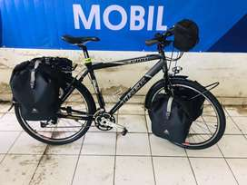 Sepeda merk trek asli untuk toring jauh dekat bisa kondisi like new