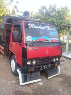 mitsubhisi cold diesel dump truk.thn 2002