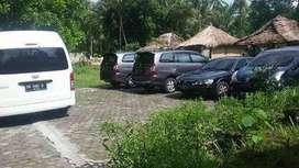 Pinggir Jalan Bekas Lesehan dekat Hotel dan Villa di Papak Gondang
