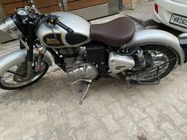Royal Enfield Classic 350 (silver)