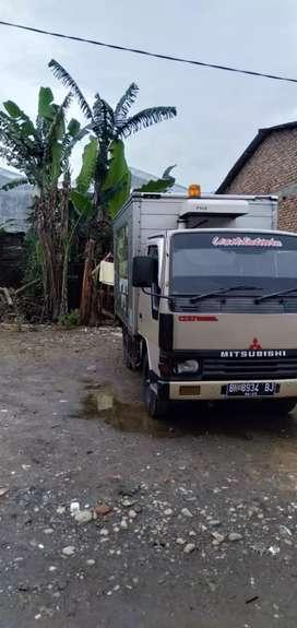 Mitsubishi truk box 4 roda ac
