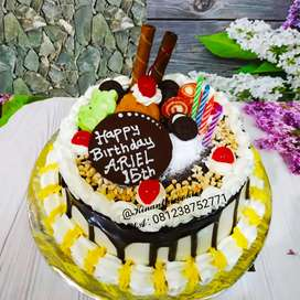 Kue tart topping seru putih kuning