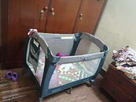Baby cot by graco