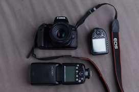 Canon 800D + Lensa + Trigger + Flash + Memori