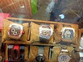 Di jual jam tangan keren dan trendy cow atau cew untuk hadiah,kado