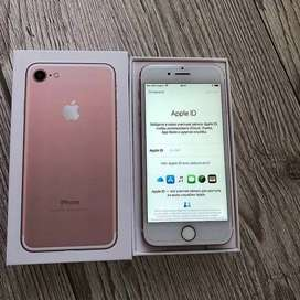 Apple iPhone 7 models are available with bill box