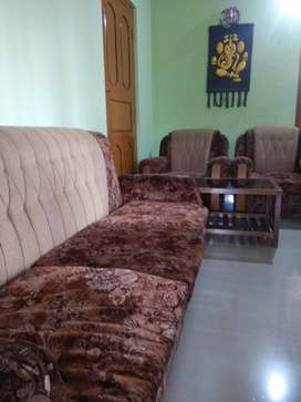 Dunlop Sofa set with center Table