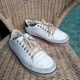 Sepatu sneaker kets Filflop second bekas preloved no.42