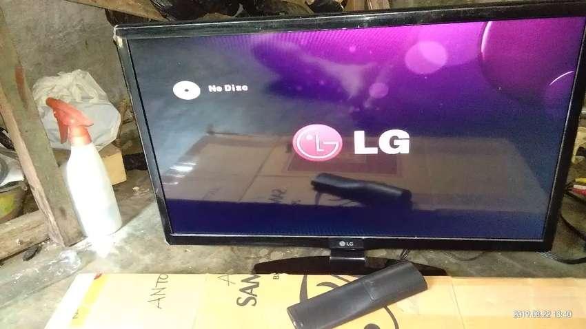 Tv LG Monitor 24 inc gress banget 0