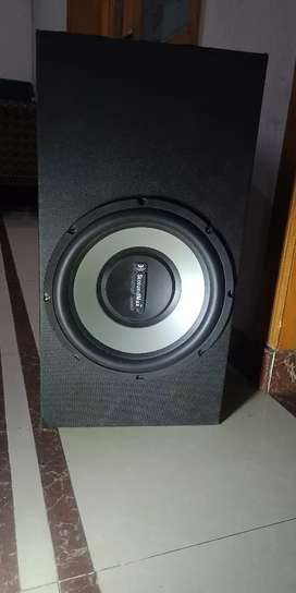 Amplifier and woofer for sale