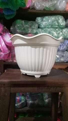 Baru pot belimbing ukuran 30 cm per lusin