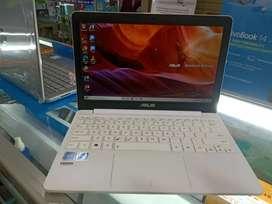 Second laptop asus e203