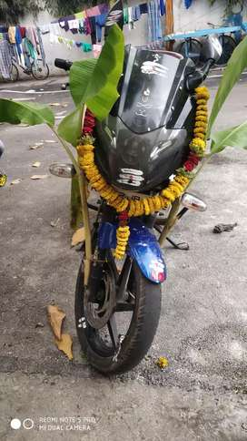 Pulsar 220f black and blue good condition