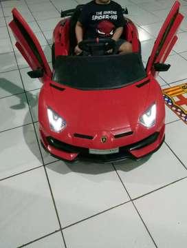 Mobil Aki Pliko Lamborghini Aventador