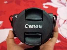 Kamera canon M100