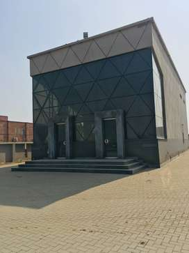 Ex Optp 3000 sq ft Commercial Building Available for Rent near Subways