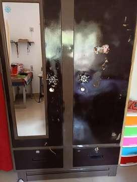 Cupboard metel good condition