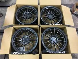 Enkei Racing r Alloy.