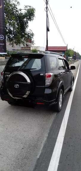 Di jual mobil Toyota Rush s thn 2011 bln 12