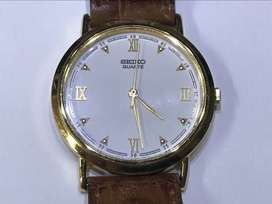 Seiko quartz 32mm watch gold and leather strap