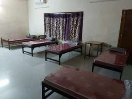 Food and accommodation for girls kaloor