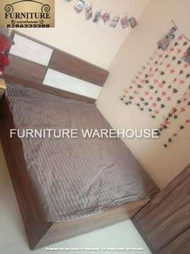 Attractive Queen size beds at wholesale rates