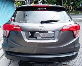 Honda HR-V S 2017 Manual M/T Warna Grey KM 77rb Plat W