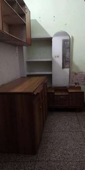 Fully Independent Single Average size Room with Furniture on Rent